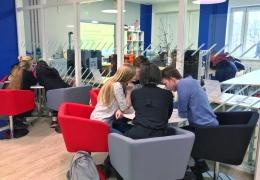 Американское посольство даст 50 000 долларов на обновление вентиляции в Нарвской библиотеке