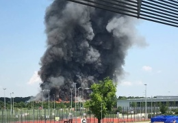 В Дюссельдорфе сгорел центр временного размещения беженцев