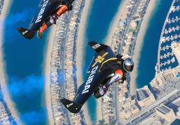 Двое пилотов облетели Дубай на реактивных ранцах, сняв сложные трюки на ВИДЕО