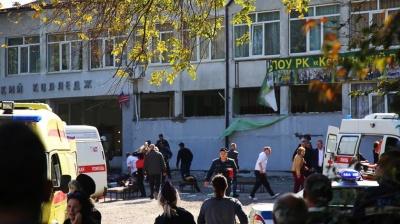 Десятки раненых детей: мать керченского стрелка впала в истерику от страшного зрелища