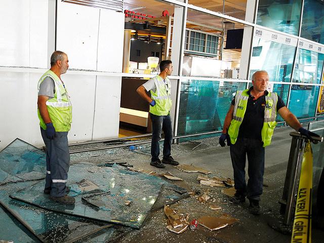 Среди жертв теракта в аэропорту Стамбула, число которых возросло до 41, оказались 10 иностранцев