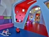 Детский сад в Греции: интерьер как часть игры