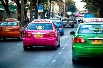Разноцветное такси Бангкока