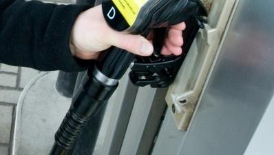 На заправке Olerex в Йысмяэ по ошибке смешали бензин с дизельным топливом