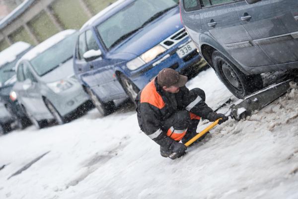 Полиция советует водителям с летними шинами в воскресенье не пользоваться автомобилем