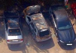 Празднуя покупку BMW, житель Ростова-на-Дону спалил три автомобиля