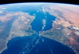 Почему Европу и Африку до сих пор никто не соединил мостом?