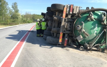 Экстренная встреча министров: число смертей на дорогах Эстонии выросло на 45%