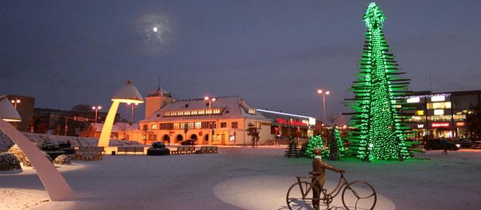 В Раквере рождественскую елку построят из старых оконных рам