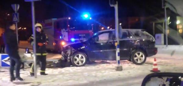 ДТП в Нарве. Lexus и Audi на перекрестке Rakvere и Puskini