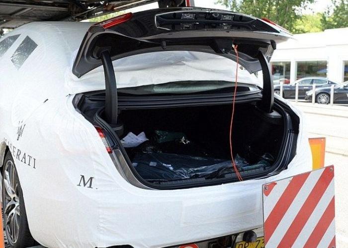 Что можно найти в багажниках новеньких Maserati