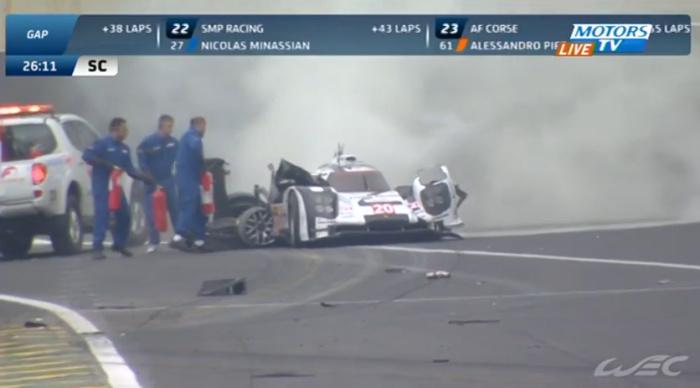 """Экс-пилот """"Формулы"""" попал в серьезную аварию на гонке в Бразилии"""