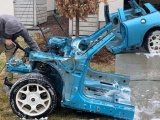 Парень превратил старенький MINI Cooper в крутой гоночный симулятор