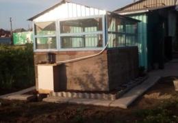 Бюджетный вариант крытого бассейна во дворе