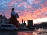 В районе трех вокзалов в Москве была замечена девушка