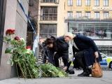 ФОТО: в Стокгольме вспоминают погибших в теракте