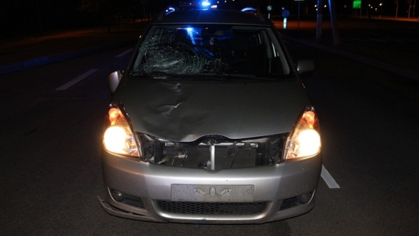 В Нарве под колесами автомобиля погиб пешеход