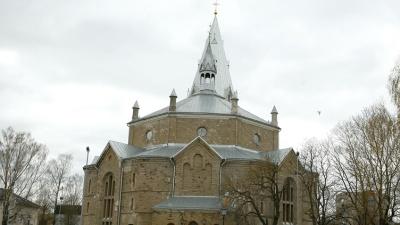 Директор Нарвской библиотеки сомневается в целесообразности ее переезда в Александровскую церковь