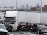 В Детройте произошла авария с участием более 30 автомобилей