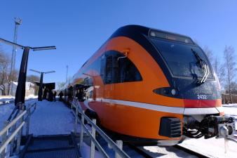 С 31 марта изменится расписание движения поездов Elron на Нарву