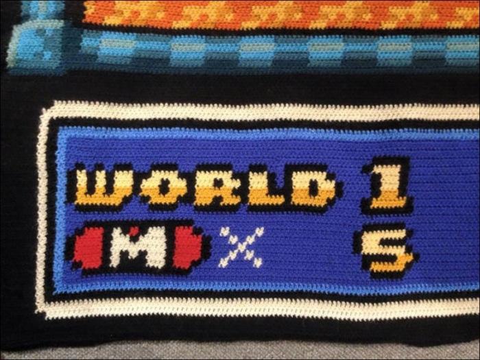 Норвежец за 6 лет связал крючком одеяло с картой «Супер Марио 3″