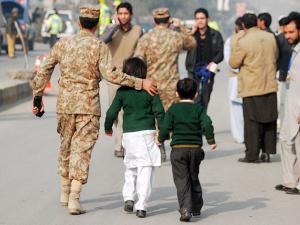 84 ребенка погибли после захвата талибами школы в Пакистане