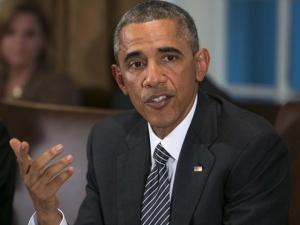 """Барак Обама мог заразиться Эболой: он """"обнимал и целовал"""" медсестер, контактировавших с больными"""