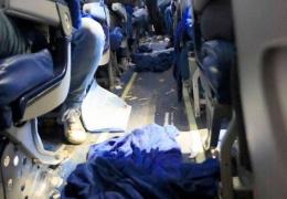 Жуткие последствия турбулентности в самолёте