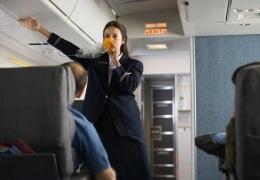 Почему кислородные маски в самолете на самом деле не содержат кислород