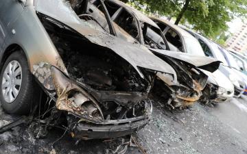 В Тарту ночью сгорели два автомобиля