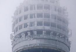 Останкинская башня обледенела