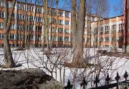 Здание для основной школы Эстонской гимназии: или строить, или перестраивать
