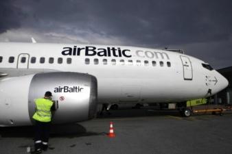 Латвия готова продать доли участия в airBaltic Эстонии и Литве