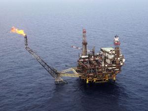 """Италия обнаружила """"супергигантское"""" месторождение газа в Средиземном море"""
