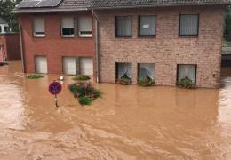 Наводнение на западе Германии: погибших уже 93