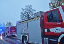 В Финляндии поезд столкнулся с военным грузовиком, четверо погибли