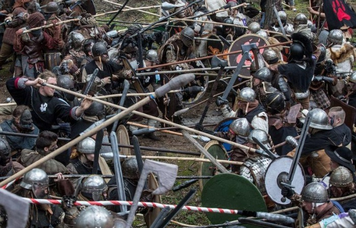 Фанаты Толкина устроили в чешском лесу Битву Пяти Воинств