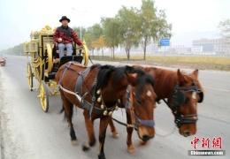 Китаец построил копию кареты британской королевы за $14 тысяч