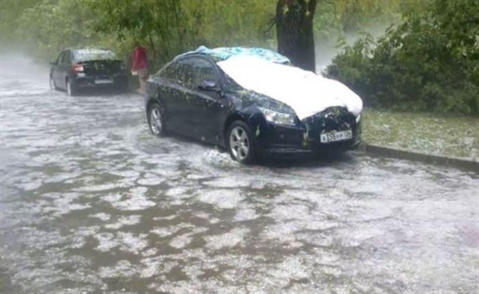 Как ставропольцы спасали свои автомобили от града