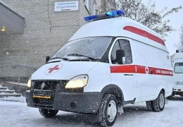 """В Новосибирске водитель грузовика отказался пропускать """"скорую"""" с пациентом"""