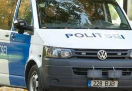 В Тарту микроавтобус полиции сбил насмерть молодого человека