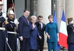 Кальюлайд встретилась во Франции с Макроном