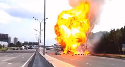 Газовые балоны взрываются на трассе