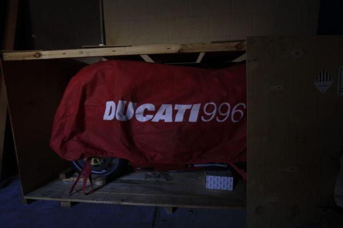 Ducati 996R простоял более 10 лет в заводском боксе