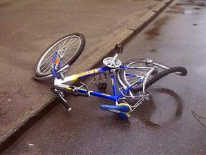 В Ида-Вирумаа в результате ДТП пострадала 16-летняя велосипедистка