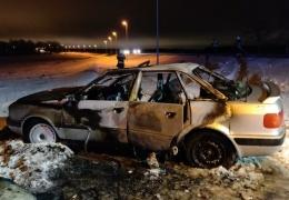 в Ида-Вирумаа на шоссе Таллинн-Нарва загорелся автомобиль