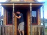 Мелкий, но полноценный домик
