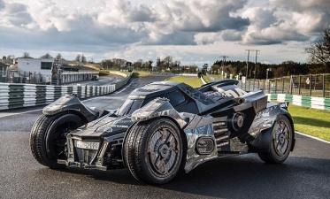 Бэтмобиль на базе Lamborghini: проект немецкого тюнинг-ателье (видео под катом)