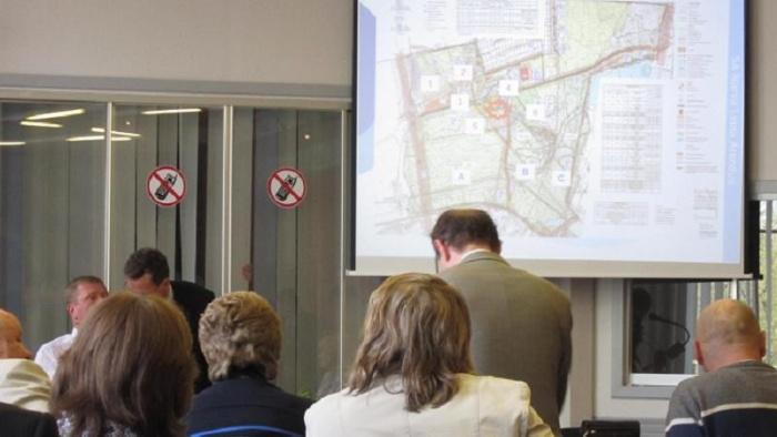 При Нарвском горсобрании появится комиссия по дорогам