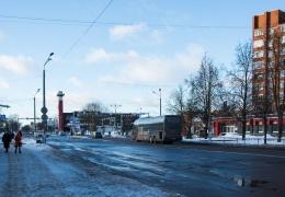 """На центральной улице Нарвы светофоры настроили на """"зеленую волну"""""""